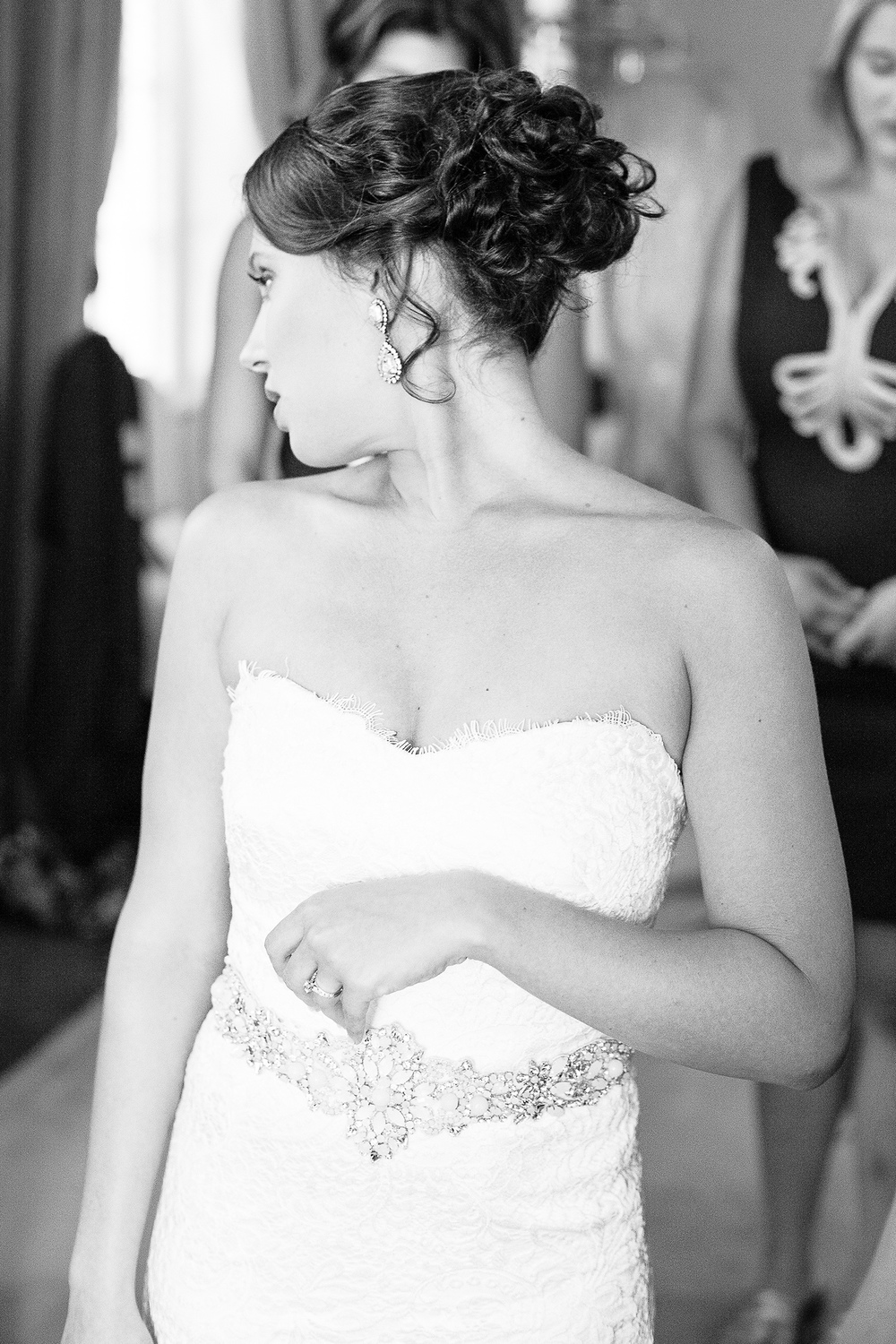 Classy Black & White Bridal Portrait at The Carolina Inn