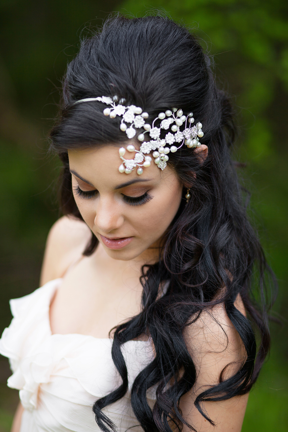 White Pearl Bridal Hairpiece