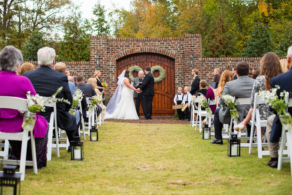 Oaks at Salem Outdoor Wedding