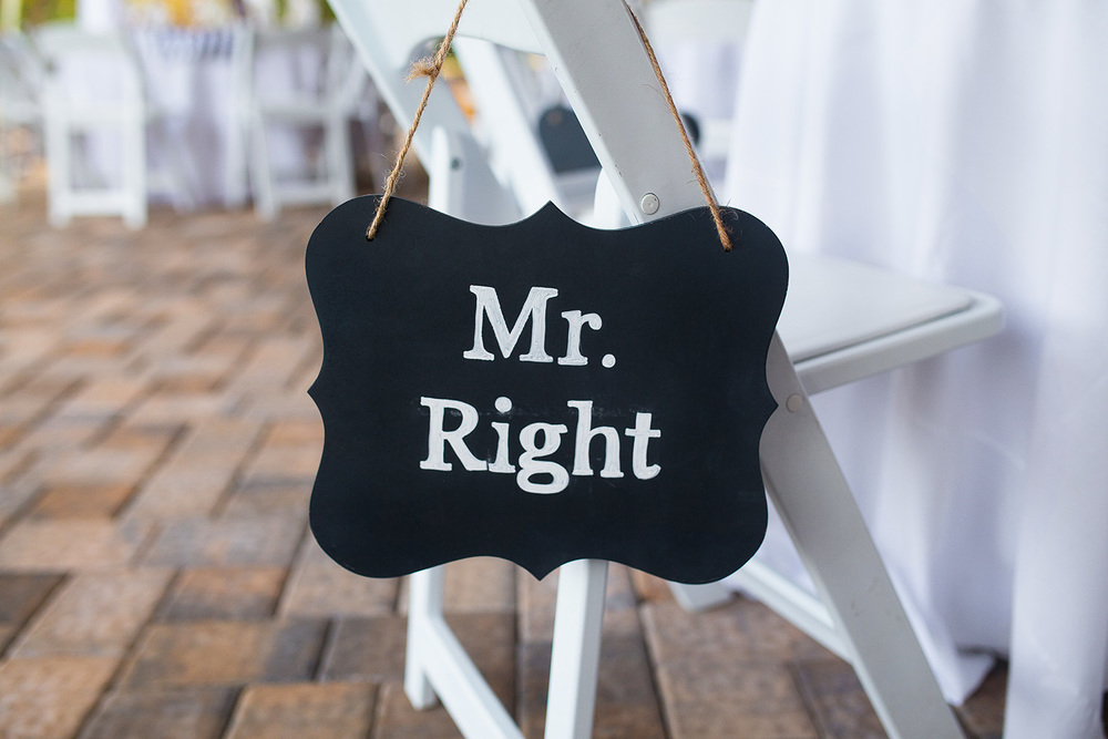 Mr. Right Sign