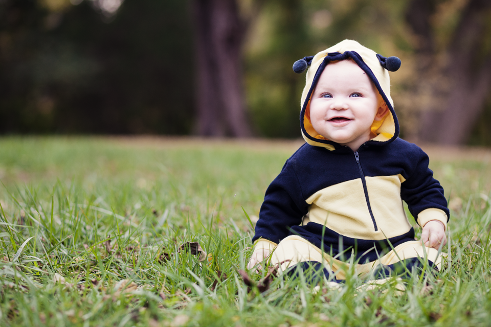 toddler portrait bumble bee for halloween