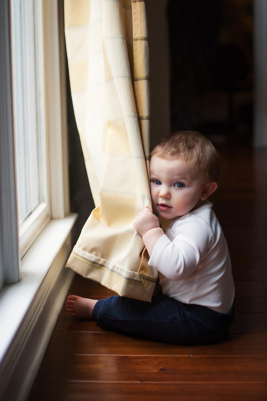 kids portrait photographer toddler sitting