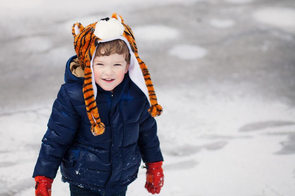 covington ga kids photographer boy in tiger hat