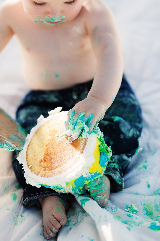 baby feet in cake kids photography atlanta