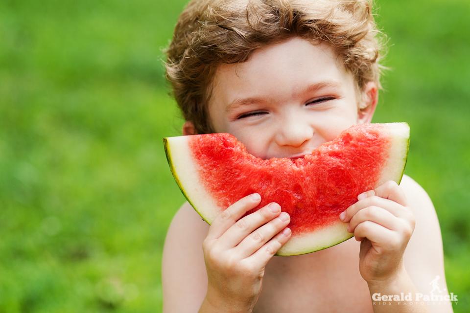 atlanta kids photographer watermelon bite