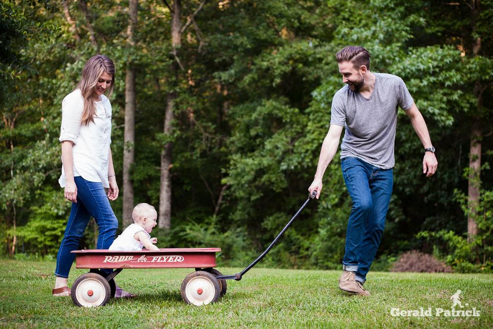 Atlanta family photographer backyard photo session