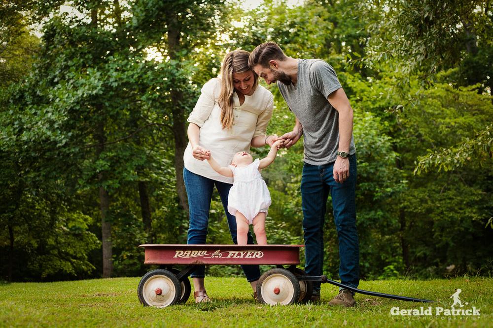 Atlanta photographer family backyard photo session