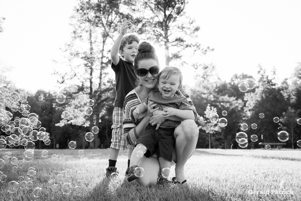 atlanta family photographer bubble session