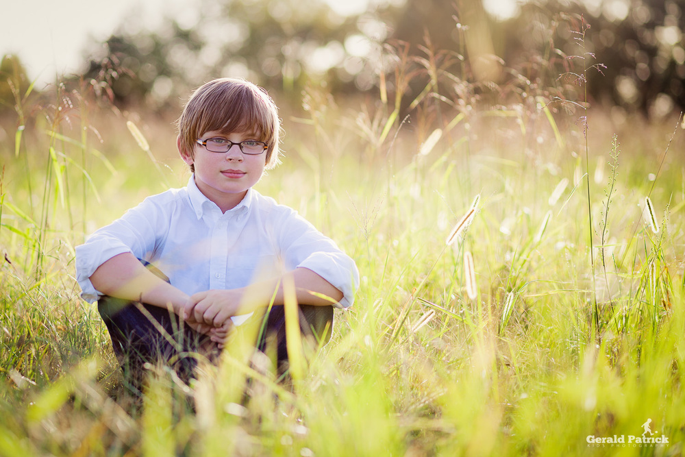 atlanta photographer kids portrait sun soaked field