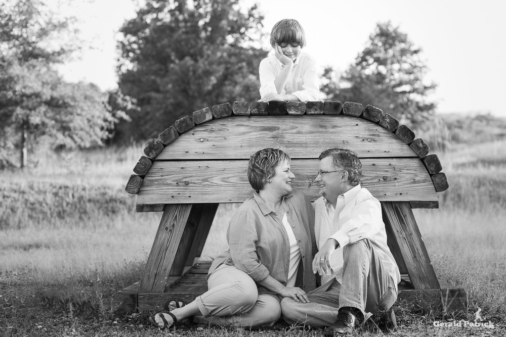 covington photographer fun family black and white portrait