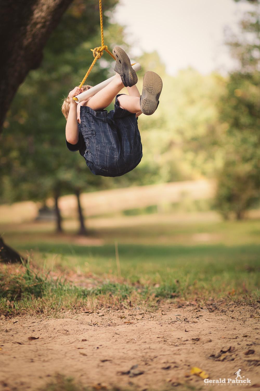 atlanta photographer boy on rope swing