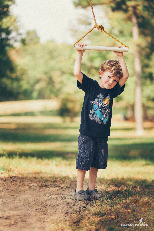 covington ga photographer boy on rope swing