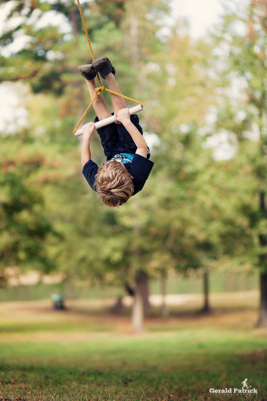 atlanta lifestyle photographer boy swinging