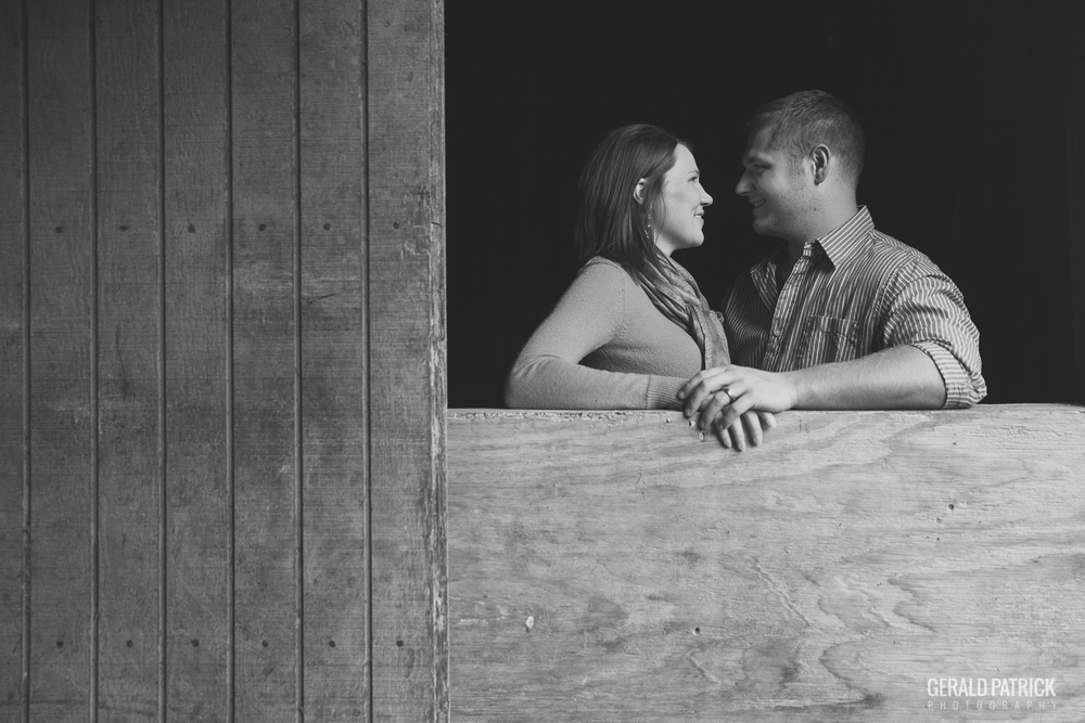 Atlanta photographer engagement in barn