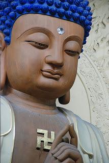 Buddha arhat swastika by BreenJones flickr 8504408828_1a250b2ddf.jpg