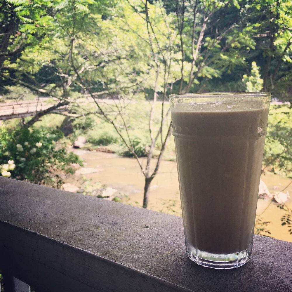 That avocado cacao smoothie life....