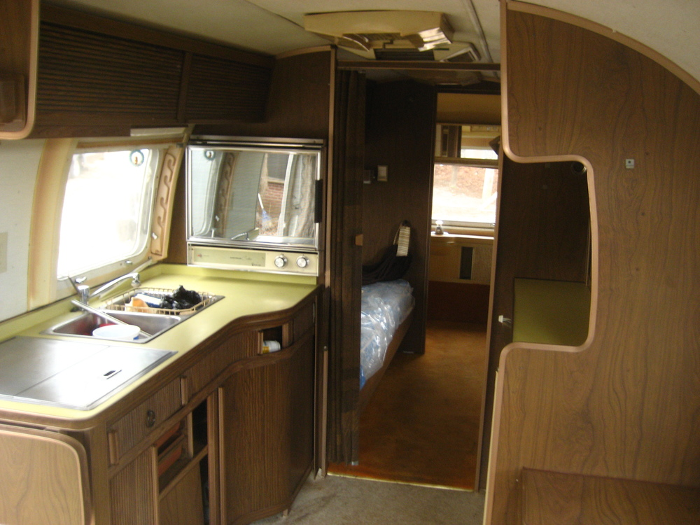 Airstream trailer_20080207_0926.JPG