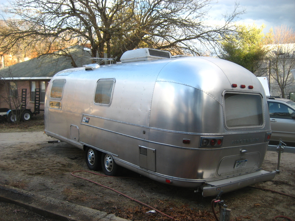 Airstream trailer_20080207_0943.JPG