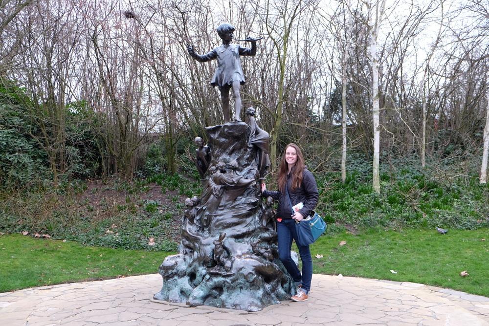 Kensington Garden: Peter Pan Statue