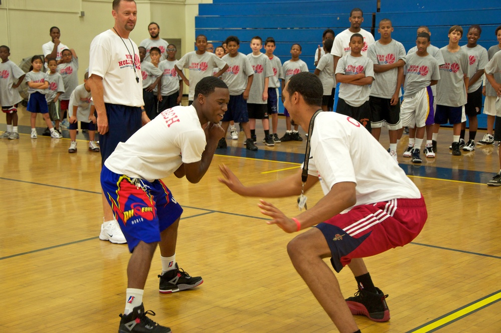 Ryan Hollins Basketball Camp 23.jpg