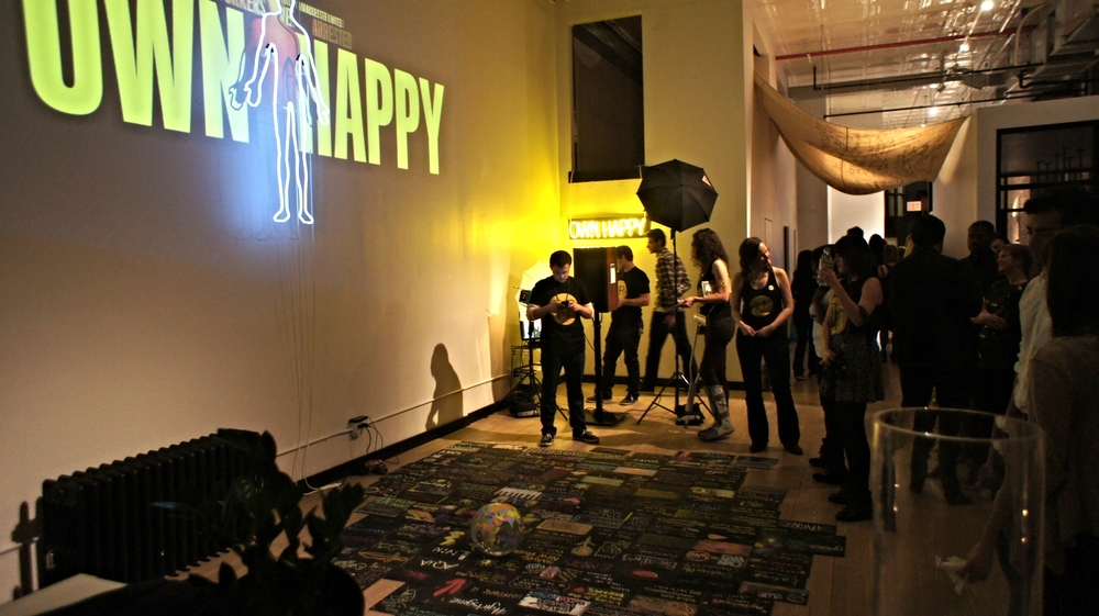 Multi-sensory, interactive art experiences curated for workplaces, conferences and spaces that bring to life human emotions, turning viewers into artists and strangers into friends, designing environments of creation and connection.  LEARN MORE Past co-hosts include: First Street Green, The Farm, AQUA, Dev Bootcamp, The Get Down Dance Party, Conception Events, Cielo