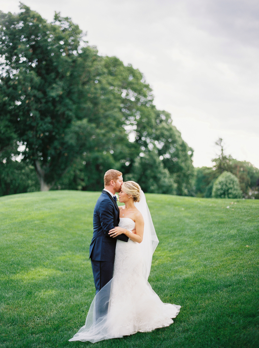 alexandra-elise-photography-ali-reed-caitlin-benn-film-oak-hill-wedding-018.jpg