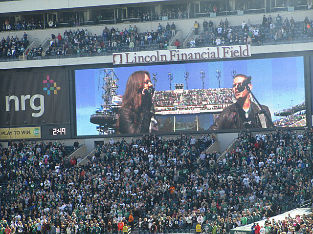 Korbee-National-Anthem-Eagles-Giants-Lincoln-Financial-Field-4.jpeg