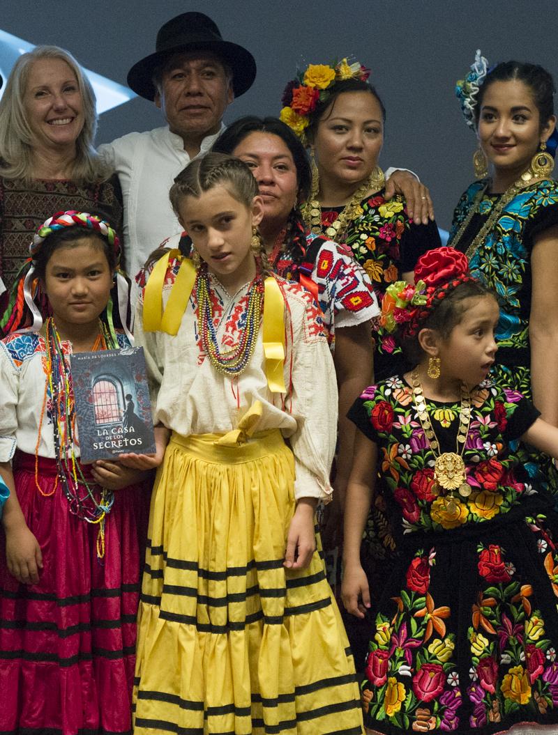 Con el reconocido y apreciado artista oaxaqueño Fulgencio Lazo y el grupo cultural oaxaqueño.