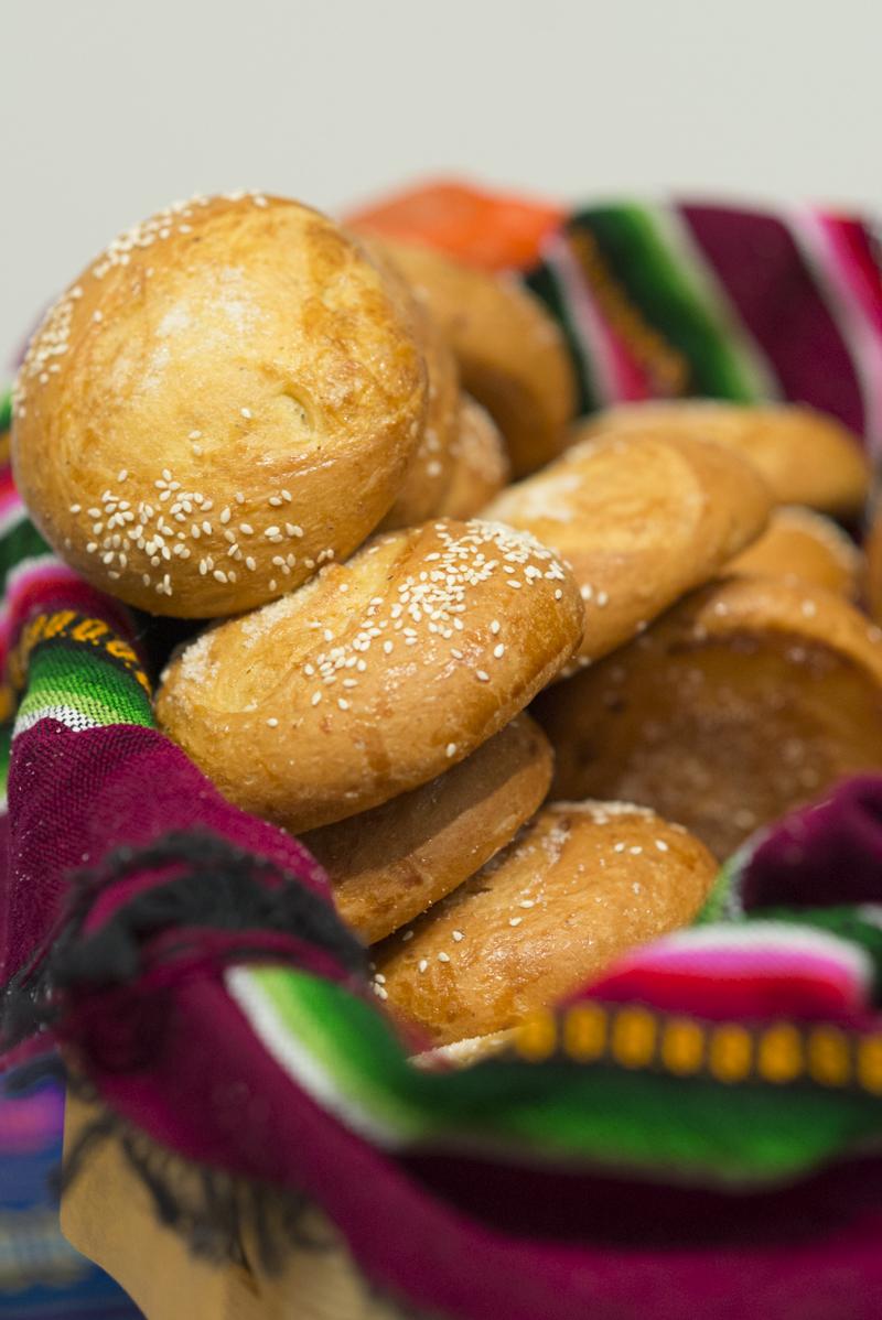 La receta del pan de yema hecha justo como aparece en la novela.
