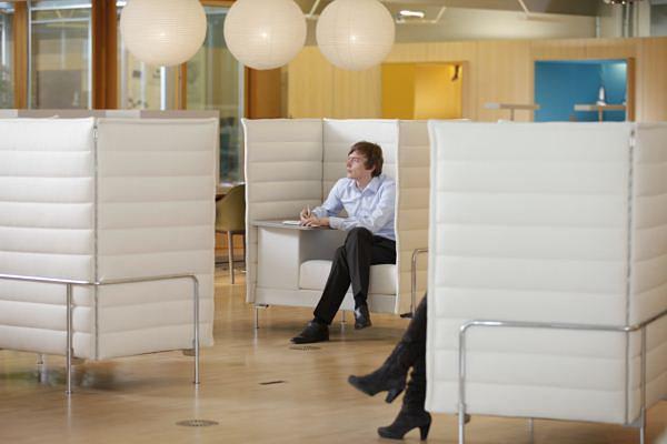 Comfy-modern-cubicles.jpg