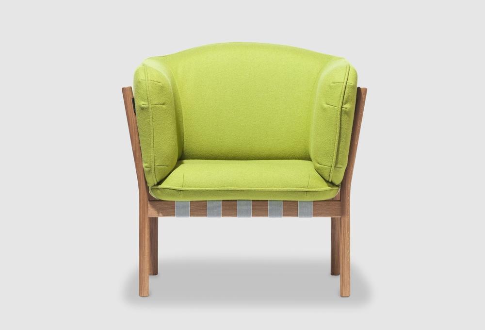 Dowel armchair 001.jpg