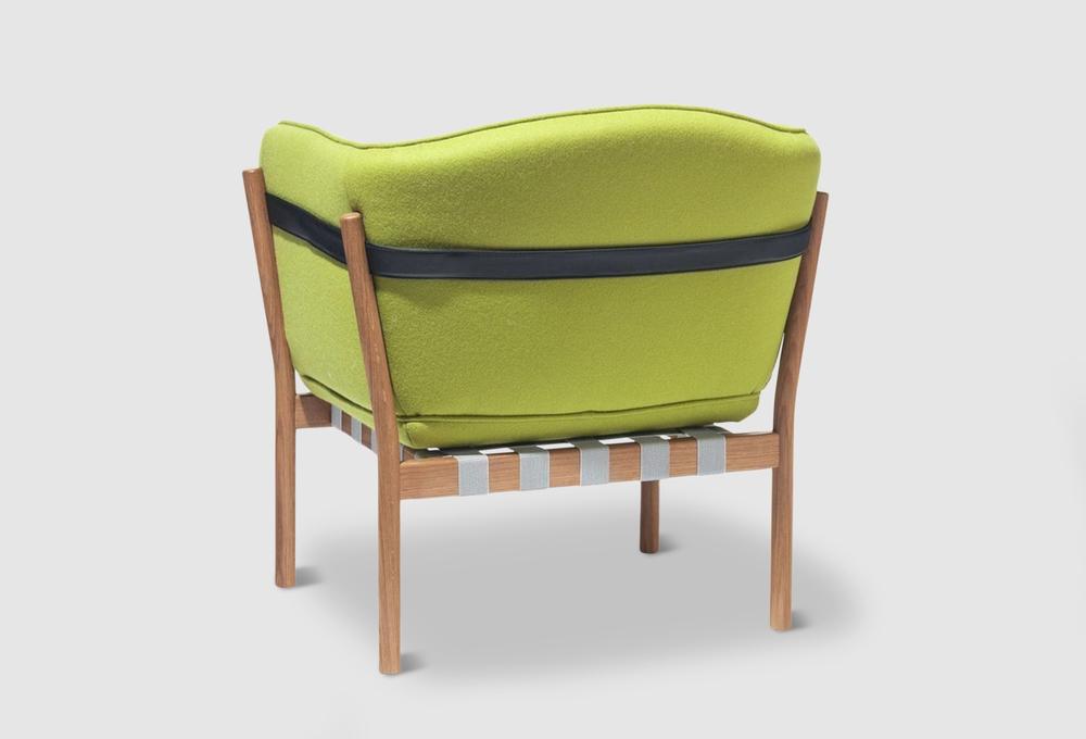 Dowel armchair 002.jpg