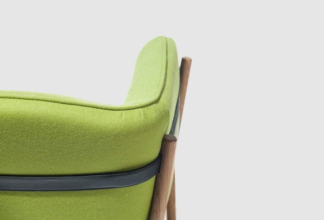 Dowel armchair 003.jpg