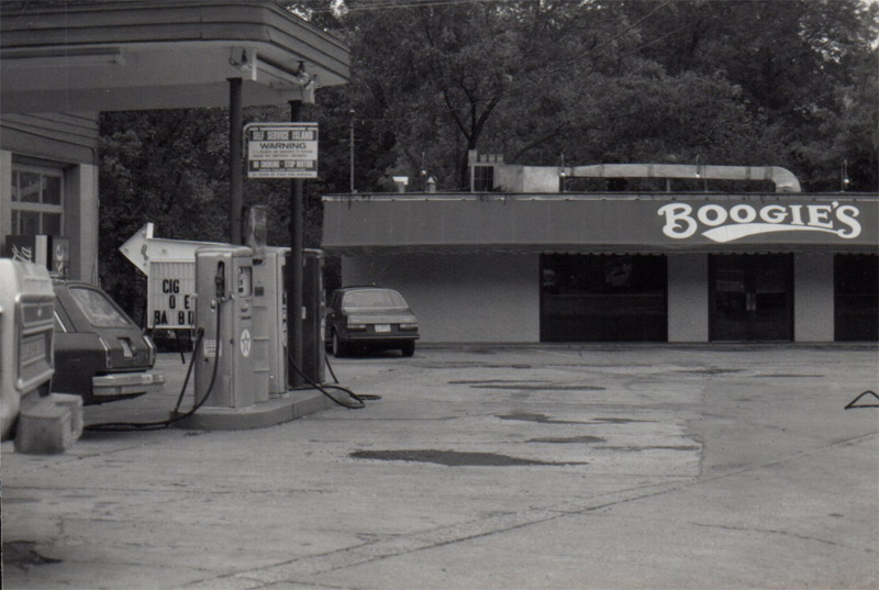 2. Boogies was a restaurant located in what is now the parking lot of Bulldog Deli - the service station on the left is now Bulldog Deli