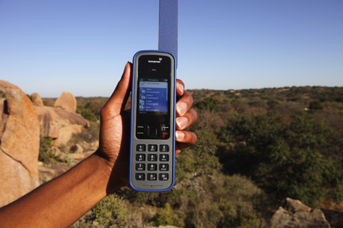 271895-inmarsat-isatphone-pro-front.jpg