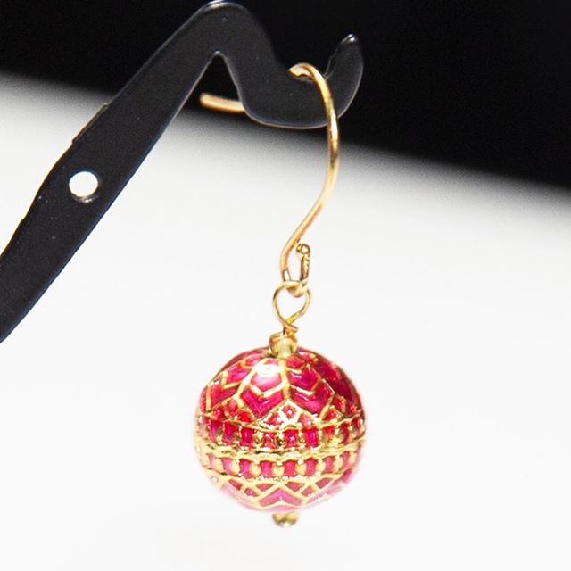 The holiday's are here! These Mena earrings are the perfect ornaments for your ears!