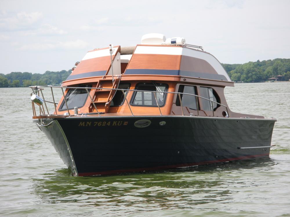 33' Custom Motor Yacht