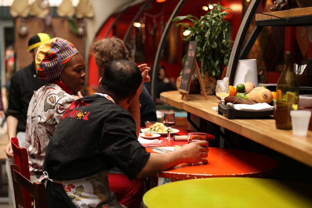 people_eating.jpg