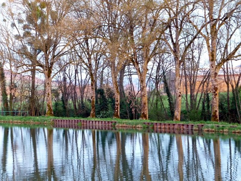 burgundy canal.jpg