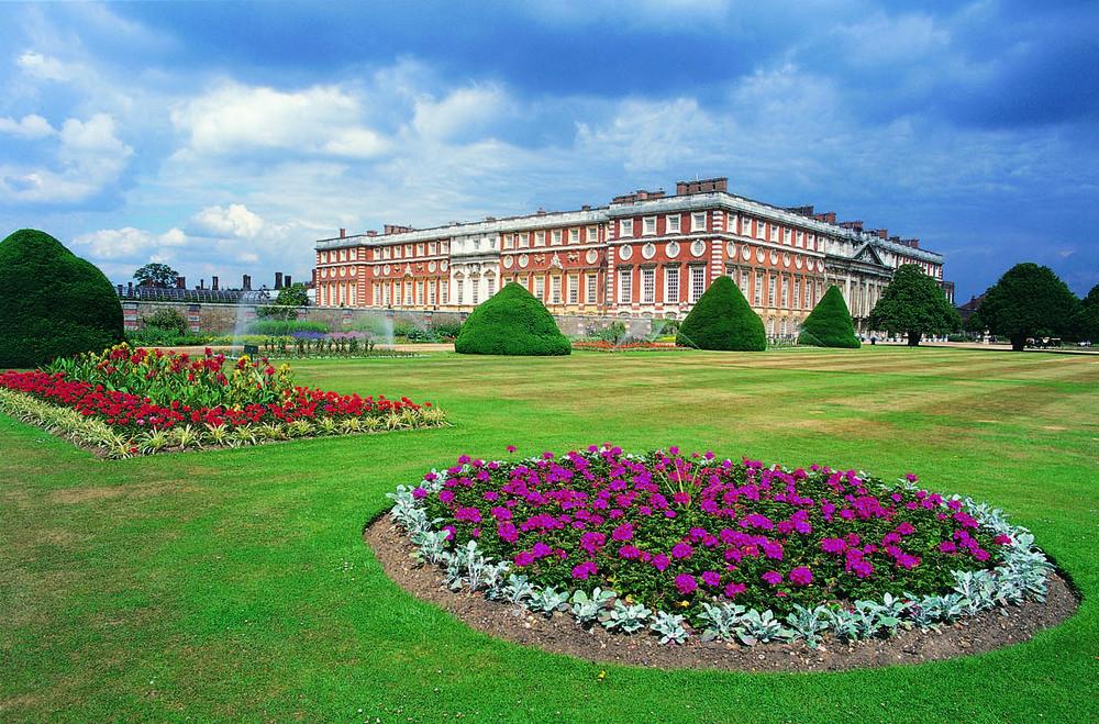 Hampton Court1.jpg