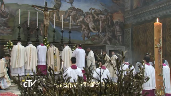 Pope Francis celebrates Mass in the Sistine Chapel ad orientem on January 12, 2014. Photo credit:  CTV