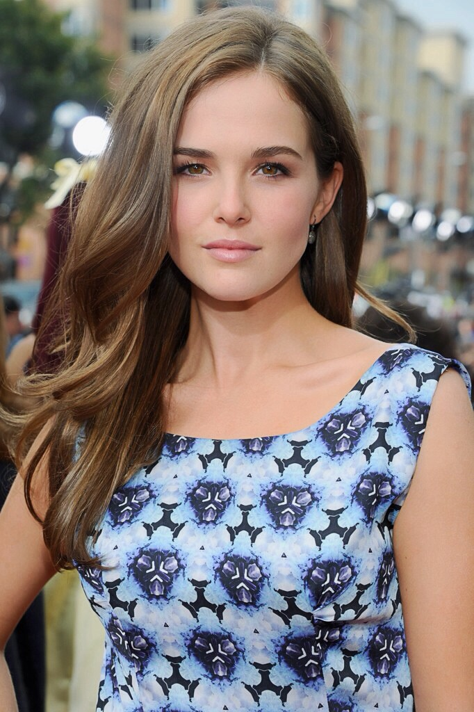 zoey deutch.jpg