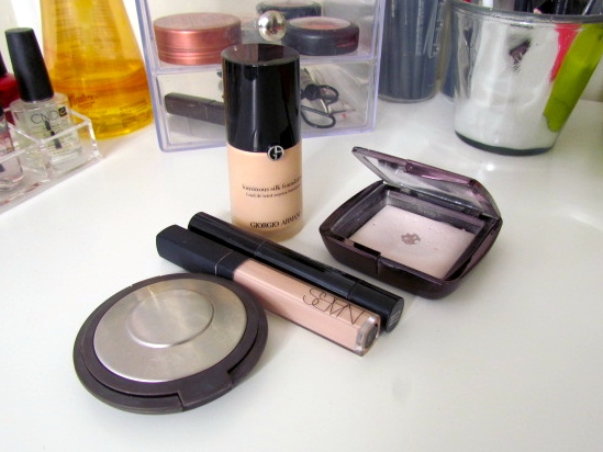 Giorgio Armani Luminous Silk Foundation - 3 MAC Prep + Prime - Radiant Rose Nars Radiant Creamy Concealer - Light 2 Vanilla Hourglass Ambient Lighting Powder - Ethereal Light  Becca Perfect Skin Mineral Foundation Powder - Shell