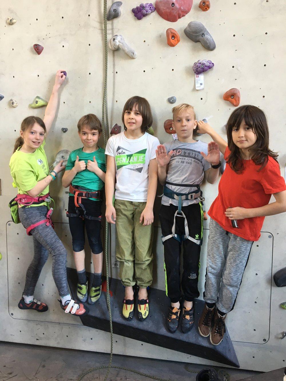 Tekmovanje v športnem plezanju za osnovne šole_Grif_1.jpg
