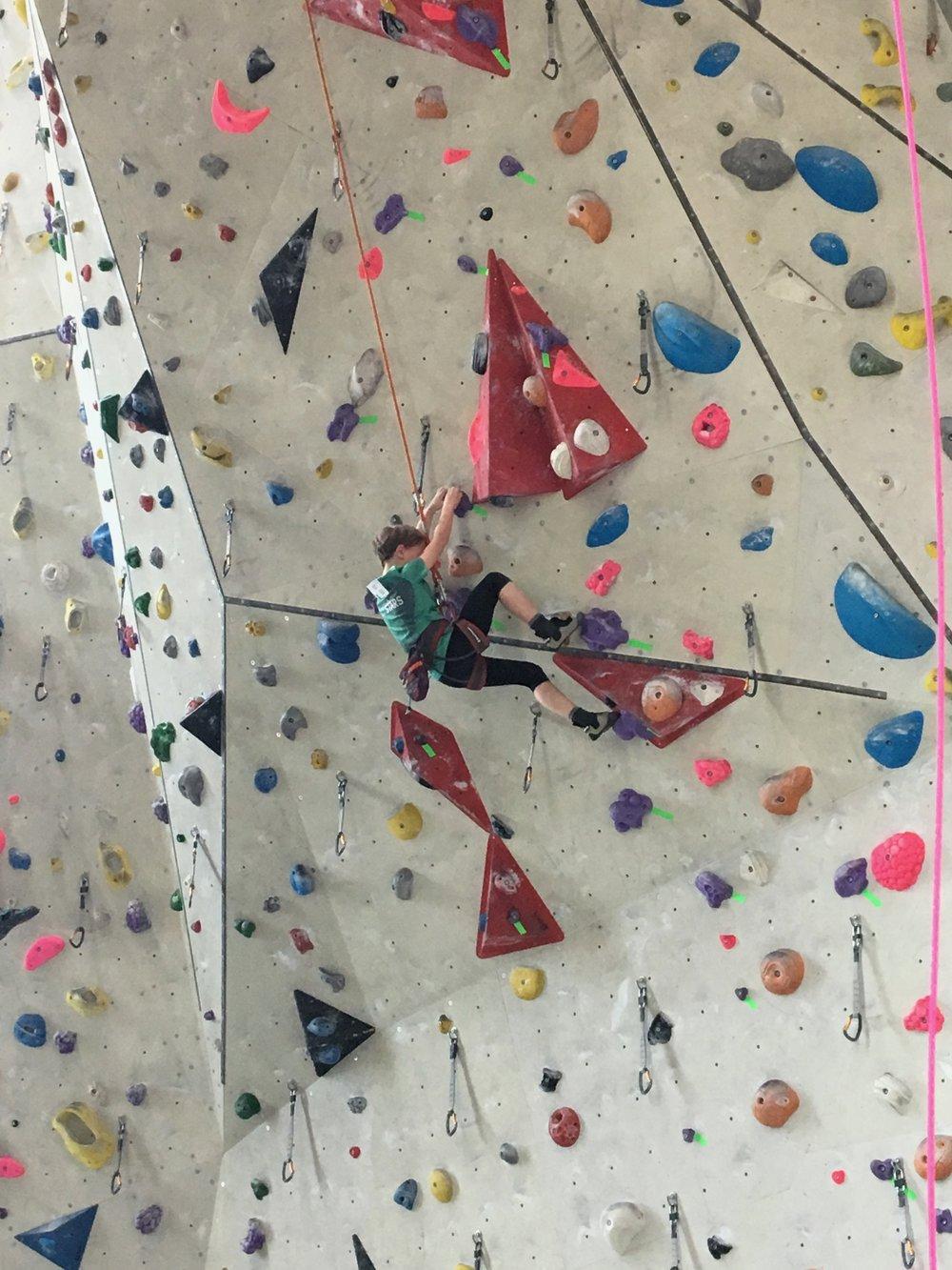 Tekmovanje v športnem plezanju za osnovne šole_Grif_5.jpg