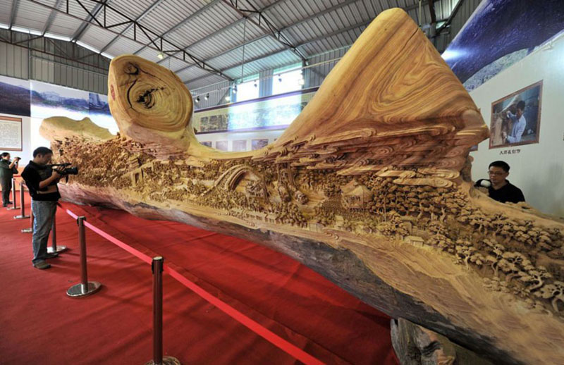 Worlds Largest Carving Made From A Single Tree