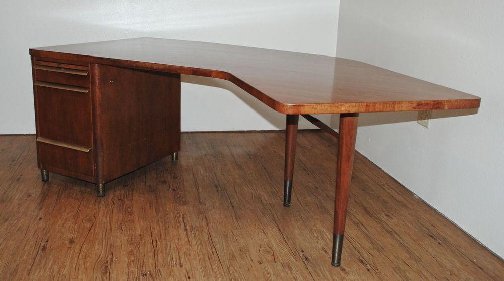 Bon SOLD   Mid Century Stow U0026 Davis Executive Desk   1961