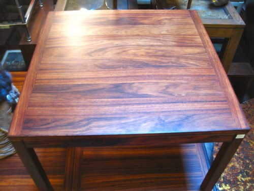 The Natural Wood Markings On This End Table Are Easy On The Eyes. Sleek  Mid Century Modern Furniture Is Back With A Vengeance. This Handsome Rosewood  End ...