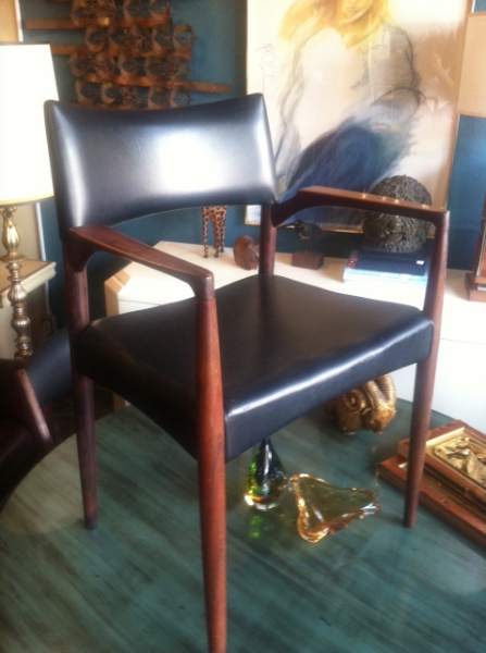 Charmant Rosewood And Naugahyde Chair