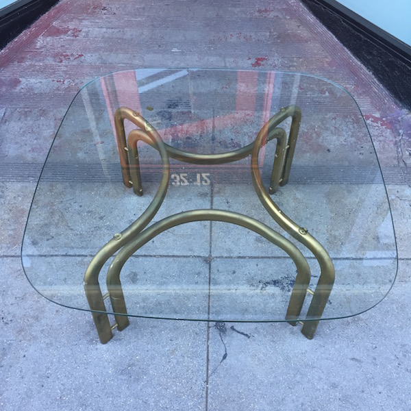 1970s Modern Style Coffee Table